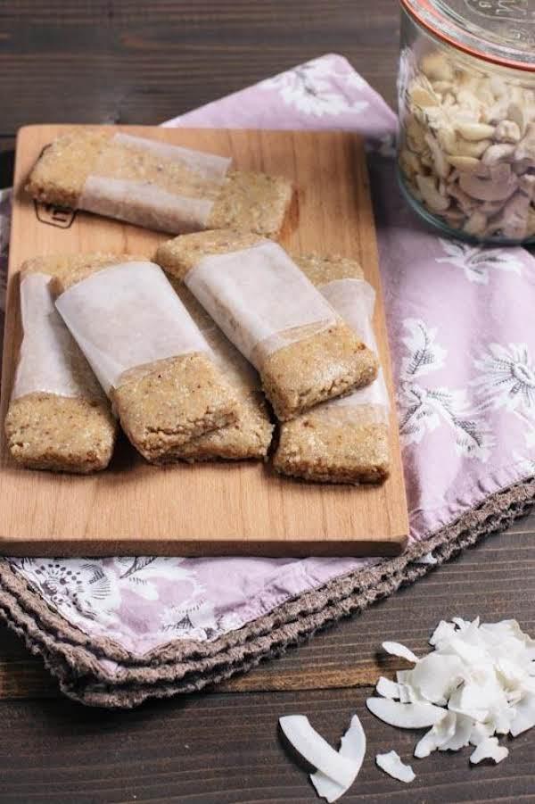 Coconut Cream Pie Knock Off Larabars