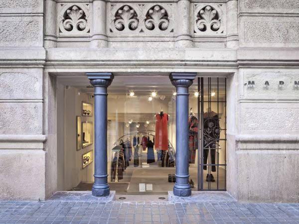thiết kế shop thời trang Marni 1