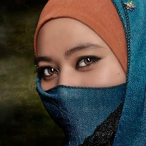 Dark Of The Night by Shine Photovideo - People Portraits of Women ( utarafm, siiputt, djsiiputt, shine photovideo, denny tsen )
