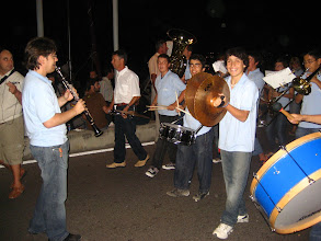 Photo: Mahon'da festival.  Sokak bandosu.   Festival in Mahon. Street Band .