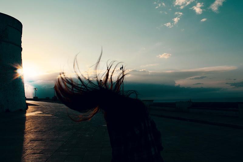 Ma se la vita è fatta per vivere, allora viviamocela in ogni suo gesto di Oriana Mitrotta