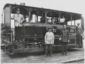 """Photo: 1927  Locomotief bij """"d'n Dipo"""" aan de Mastbosstraat"""