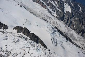 Photo: Se puede ver en la zona alta del espolón rocoso el refugio de Grands Mulets. Foto Ch