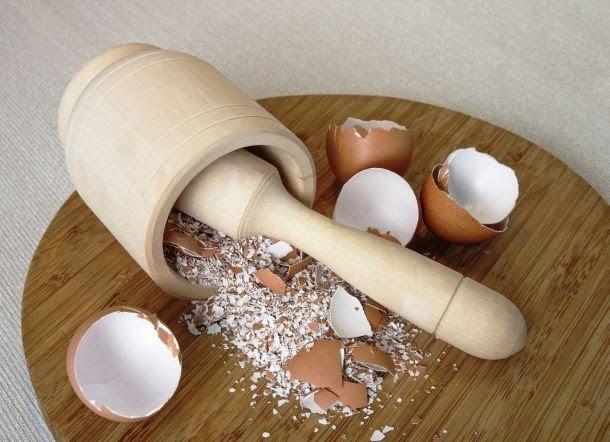 Hãy thay đổi ngay nếu bạn có thói quen vứt bỏ vỏ trứng