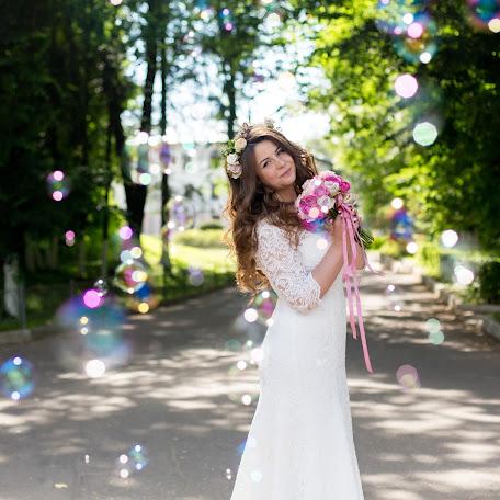Wedding photographer Anna Polukhina (Loveinfoto). Photo of 04.09.2017