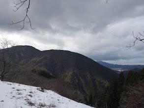 多田ヶ岳(左)が大きく