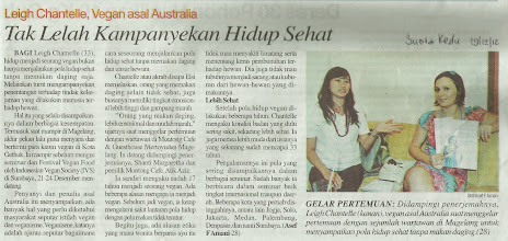 Photo: Suara Kedu article  December 19 2012  Here's a great online write up from the same day and another reporter: http://nasional.kompas.com/read/2012/12/18/18101977/Hidup.Lebih.Nyaman.Menjadi.Vegan  Use Google Translate for English speakers: http://translate.google.com/  There were 8 reporters from various newspapers in Jogja & Magelang, Central Java, Indonesia who interviewed me on the day about being vegan, my adventures in SE Asia and the upcoming events I was speaking and giving food demos at.
