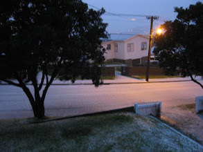 Photo: A thick coating of hail makes for dangerous driving! Strathmore, Wellington, 5:47pm 15 Aug 2011