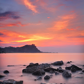 Last Light by Agung A - Landscapes Waterscapes ( sea sunset waterscapes colours beach )
