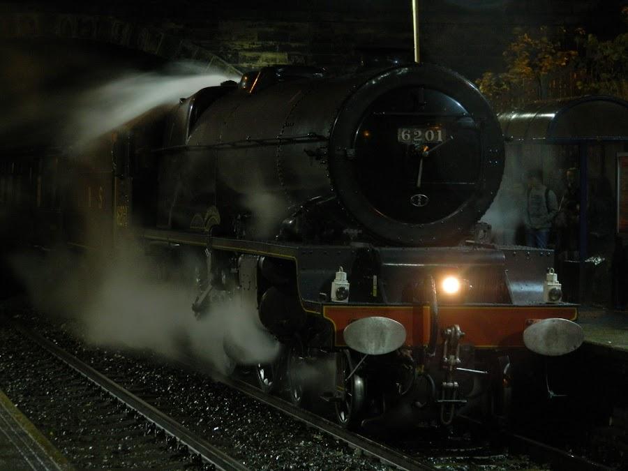 Princess Elizabeth by Mark Crompton - Transportation Trains