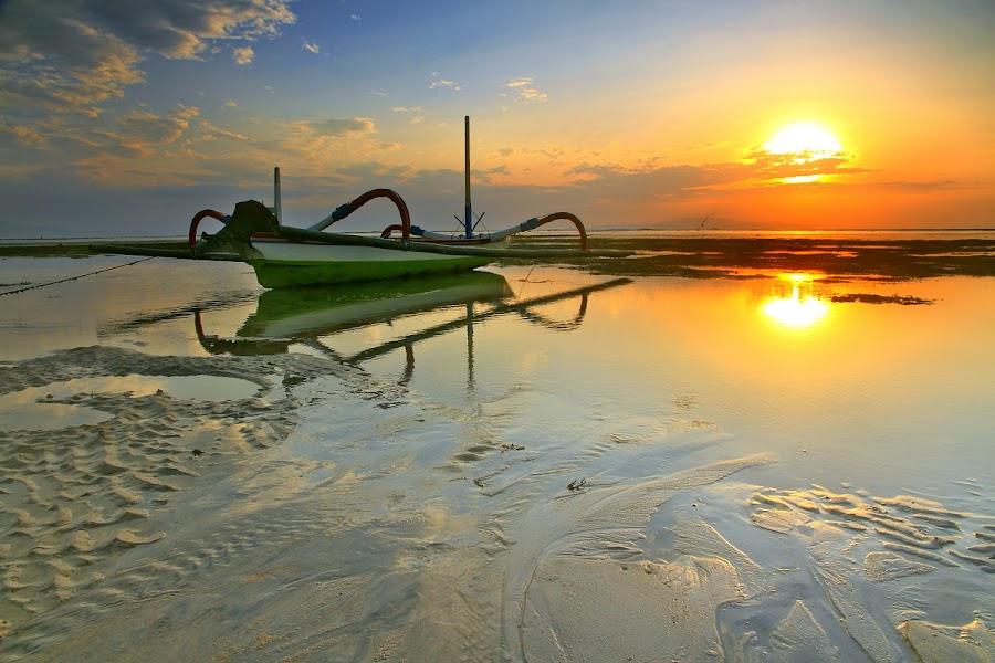 Jukung Bali by Alit  Apriyana - Transportation Boats ( bali, jukung, sunset, beach, sunrise, boat )