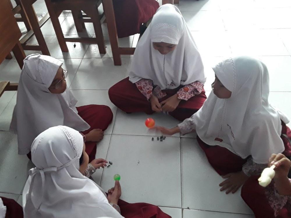 Bekel traditional game