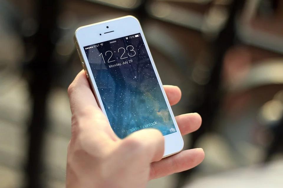 4 Reasons Why We Love Smartphones 1