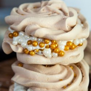 Christmas Meringues with Eggnog Buttercream