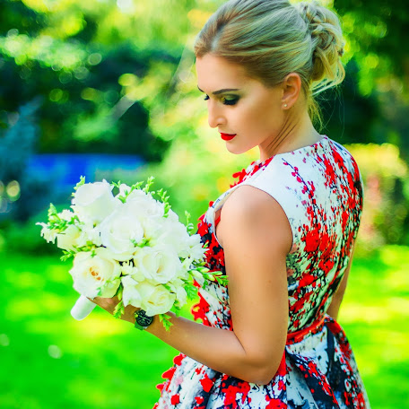 Wedding photographer Dina Melnikova (Dinka22). Photo of 07.10.2016