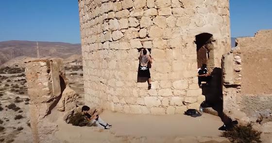 Identificados los cinco jóvenes que practicaban 'parkour' en la Alcazaba