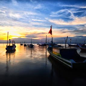 Batu Perahu beach by Ridwan Ilyas - Landscapes Sunsets & Sunrises