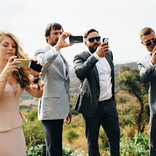 Wedding photographer Vasiliy Tikhomirov (BoraBora). Photo of 24.11.2014