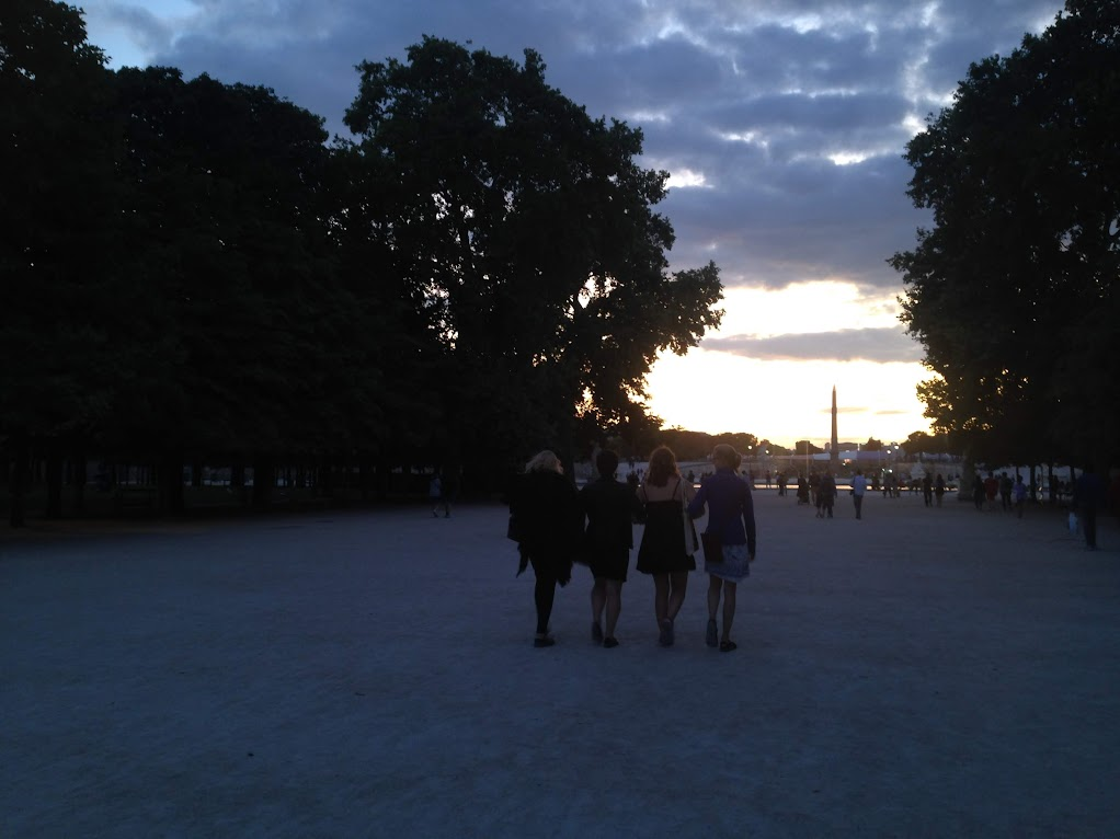 Going for a stroll in the Tuileries