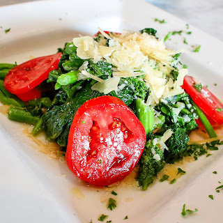 CARLUCCIO'S BROCCOLI RABE WITH GARLIC AND EXTRA VIRGIN OLIVE OIL