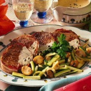 Rindermedaillons mit Zucchini-Champignongemüse