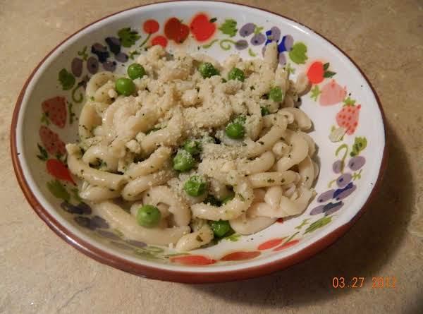 Easy-peasy Pesto Pasta