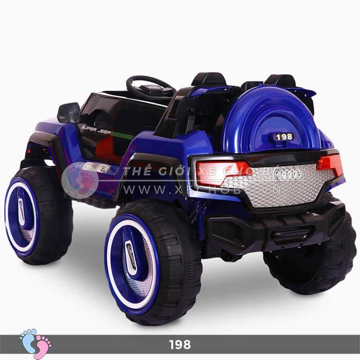 Siêu xe ô tô điện 4 động cơ 198 11