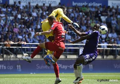 "Okaka en Ovono dollen over Afrikaanse tackle: ""Red card"" en ""You are crazy"""