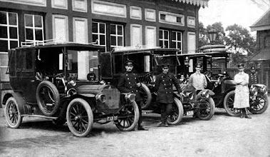 Photo: 1914 Heijlaerts taxi uit Princenhage had al gauw een standplaats bij het station