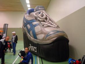 Photo: Harold dacht aan nieuwe schoenen