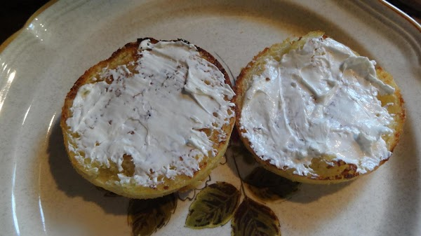Spread 1 TBS cream cheese on the toasted muffin