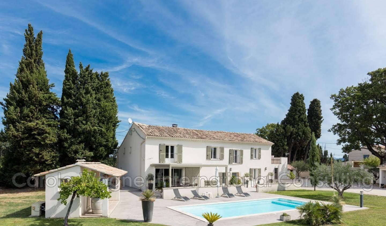 Villa avec piscine et terrasse Camaret-sur-Aigues