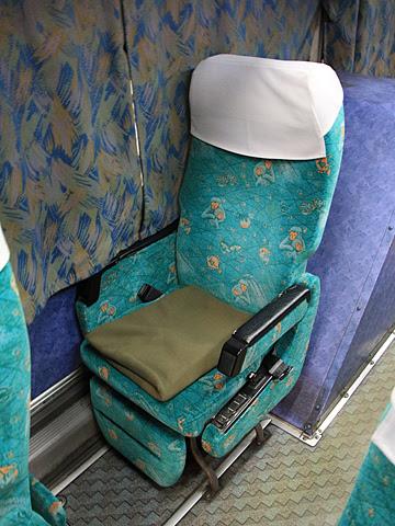 大分バス「トロピカル号」 42164 シート