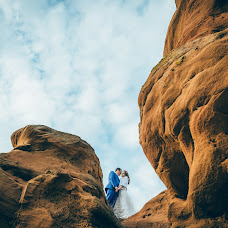 Wedding photographer Sergey Ignatkin (lazybird). Photo of 28.10.2014