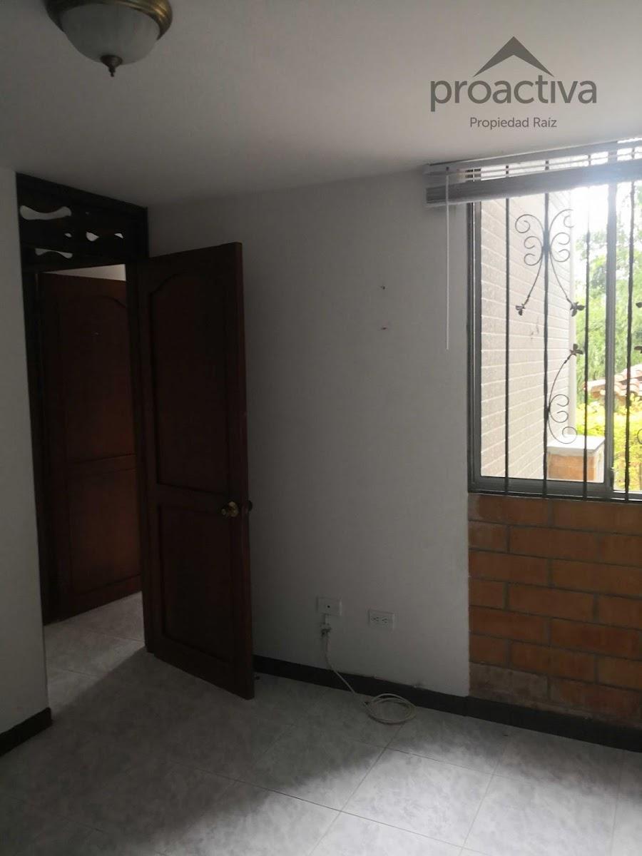 apartamento en arriendo el esmeraldal 497-7229