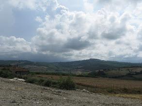 Photo: Fırtına ve yağmur bulutları Taşmanlı ardında