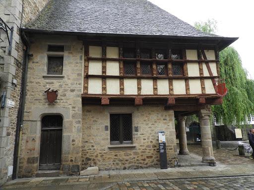 Maison De La Harpe
