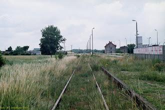 Photo: Peron i tor (widok w stronę Golubia Dobrzynia) {Kowalewo Pomorskie Miasto; 2003-07-07}