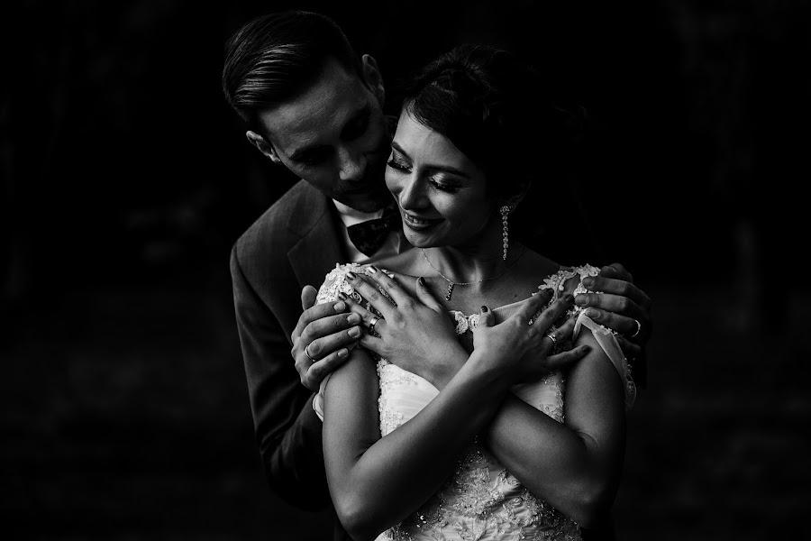 Wedding photographer Sabina Mladin (sabina). Photo of 29.01.2020