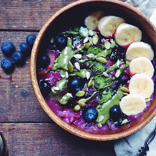 Superfood Galaxy Blueberry Oatmeal