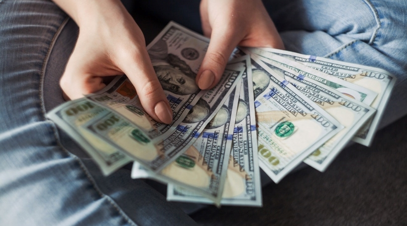 moving scams sometimes include a request for cash payment or a large deposit upfront