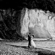 Wedding photographer Wojtek Hnat (wojtekhnat). Photo of 04.10.2018