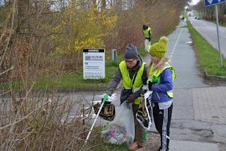 Photo: Affaldsindsamling på Ajstrupvej i Malling