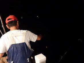 Photo: 釣り師はバンバン釣る! 「おーい!船頭!イカのサイズちっちゃいぞー!大きい所連れてけー!」