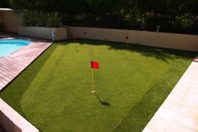 realisation-terrain-golf-gazon-synthetique-pelouse-artificiel-1024x680
