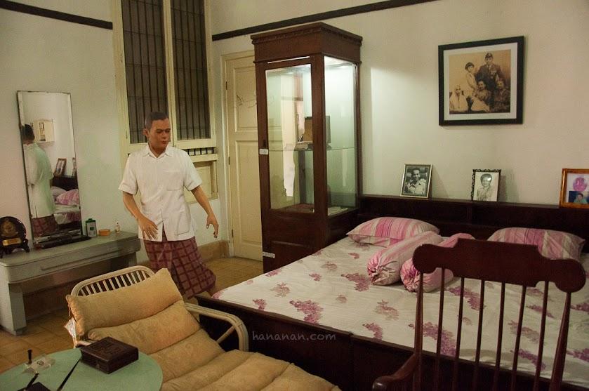 Kamar tidur Jenderal Besar A.H Nasution