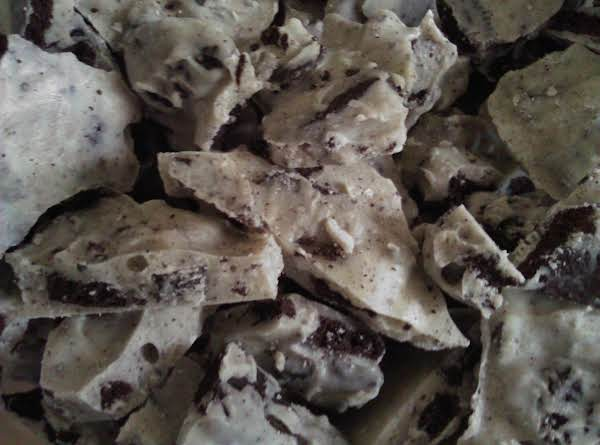The Finished Oreo Cookie Bark