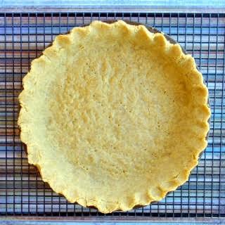 No-Roll Chickpea Flour Pie Crust {grainfree & glutenfree}.