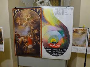 Photo: Maria Jaschoks Vergleich des Aufbaues unseres Altarbildes mit einer Spirale.