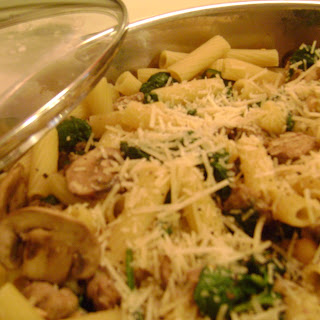 Rigatoni with Sausage, Spinach and Mushrooms
